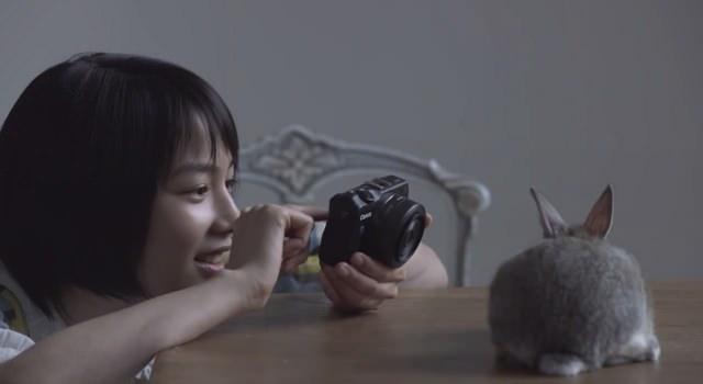 キヤノン EOS M2 CM「花」篇 「うさぎ」篇