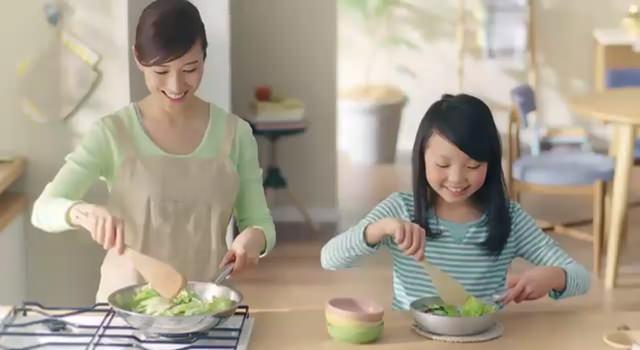 キユーピー3分クッキング マヨ風味炒め用ソースCM 「ペパー」篇、「オイスター」篇
