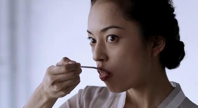 S&B エスビー食品 全粒粉カレー 「初めてのおいしさ」篇