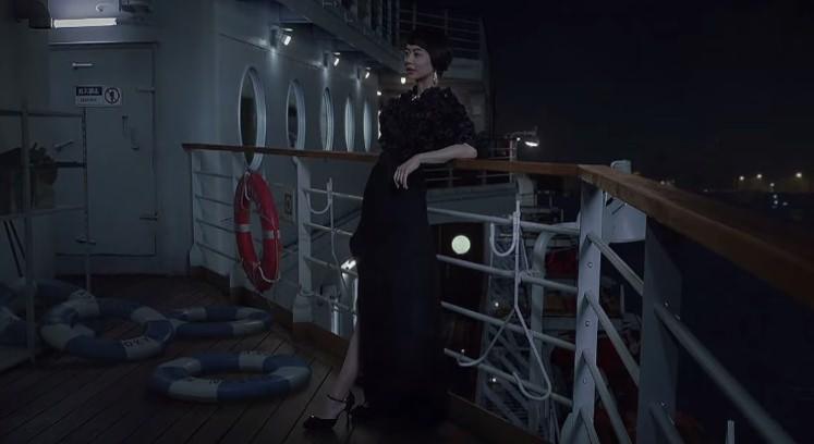 サントリー ボス シルキーブラック CM 「宇宙人ジョーンズ・黒ドレスの女」篇